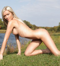 x-art_chantal_the_exhibitionist_fhg-13-sml