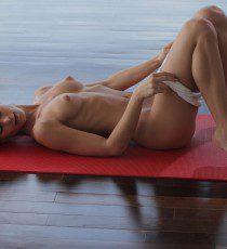 x-art_caprice_sexy_yoga_cutie-15-sml